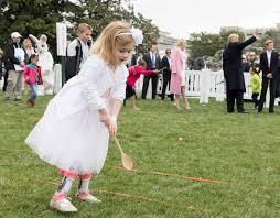 dziecko podczas jednej z zabaw na weselu